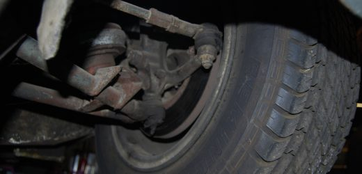 Is it safe to drive with broken axles?