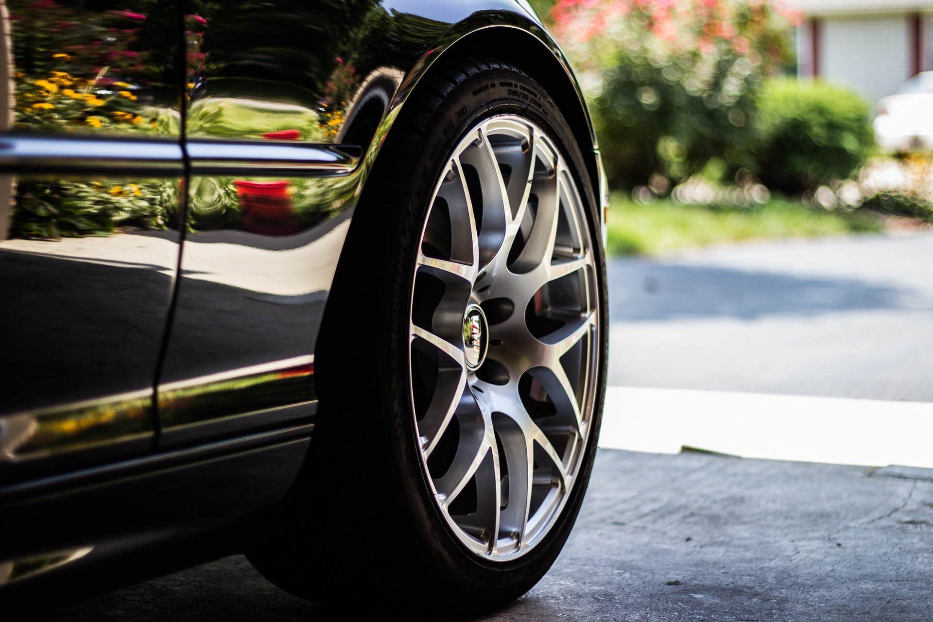 Four Easy Ways to Take Care of Your Tyres