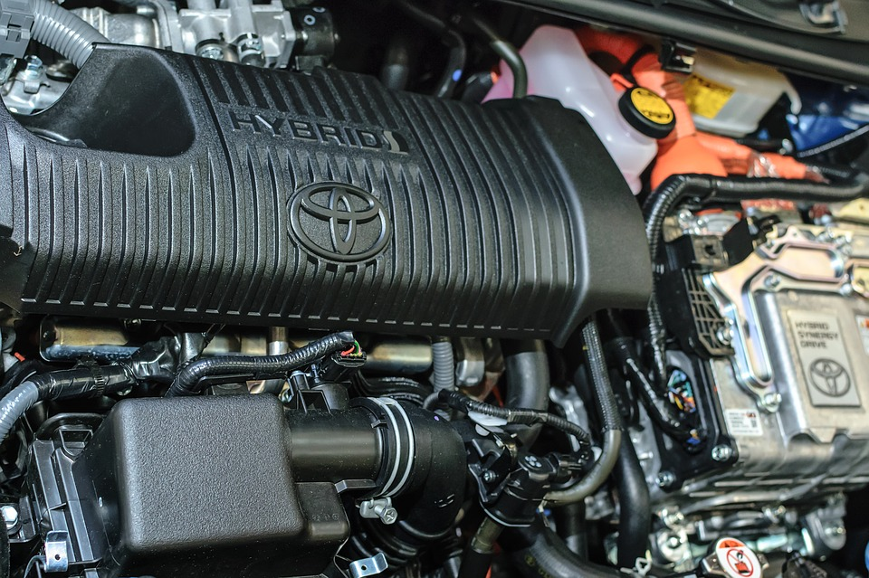 What You Should Know Before Buying a Hybrid Vehicle