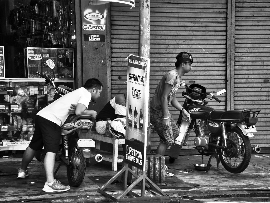 All About Motorcycle Oil