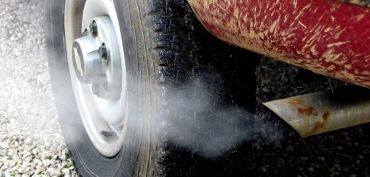 White Smoke and Water Exhaust: Causes and Symptoms