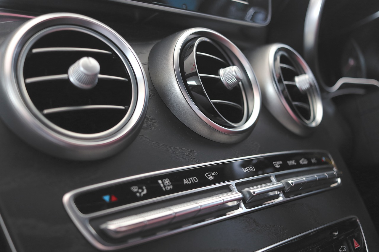 What Is the Car Air Conditioner Cleaner Used For?